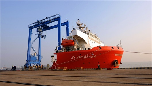 cranes-for-shipyards-and-container-handing-industry