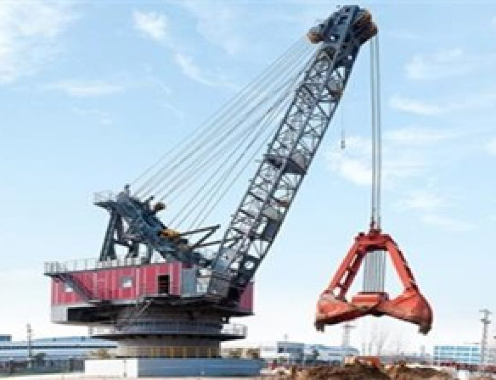 570t intelligent grab bucket dredger tests smoothly